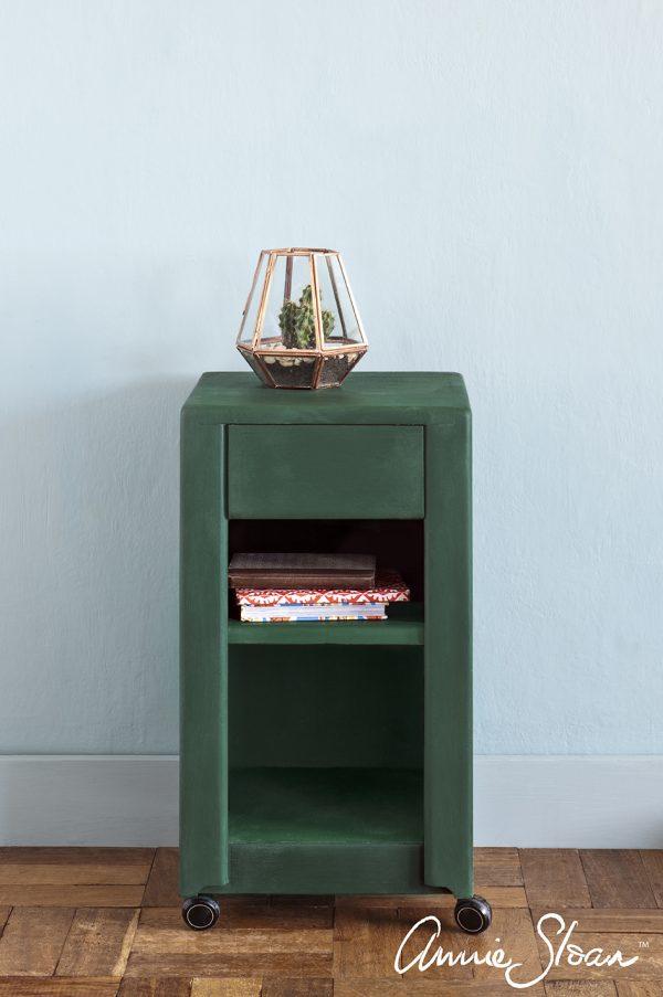 Regal mit Annie Sloan Amsterdam Green Kreidefarbe bearbeitet