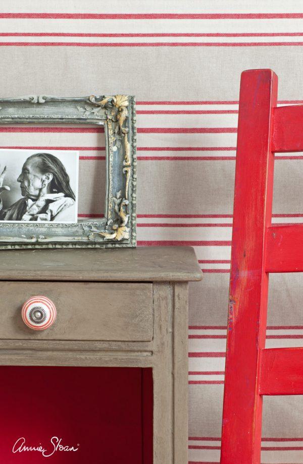 Coco Chalkpaint sorgt für einen leicht bräunlichen Look auf Möbeln und passt zum Shabby-Look