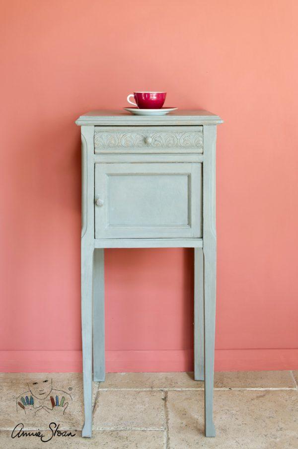 Ablage mit Annie Sloan French Linen Kreidefarbe bearbeitet