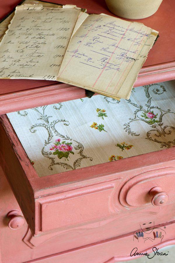 Pink Chalkpaint sorgt für einen besonderen Look auf Ihrem alten Möbelstück