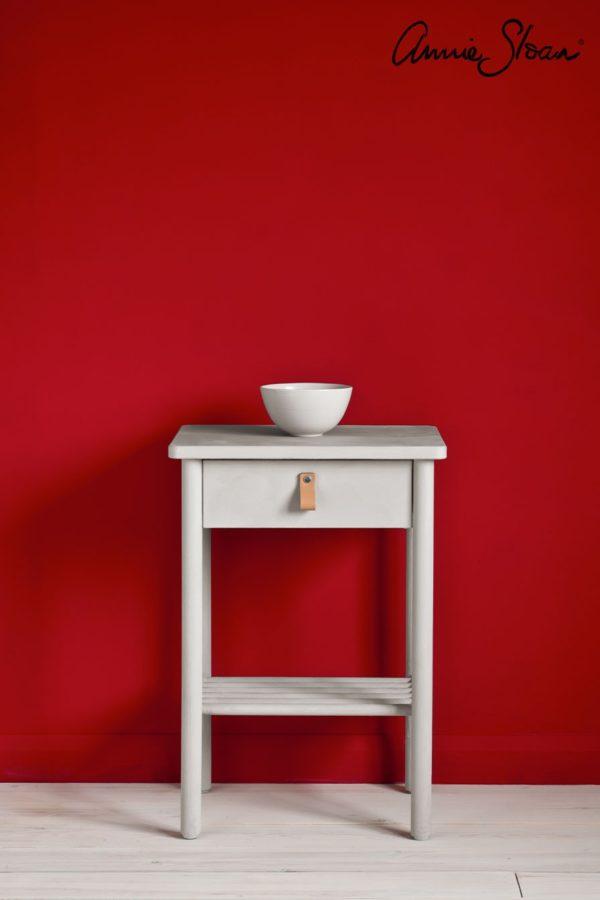 tisch mit chicago grey chalkpaint von annie sloan