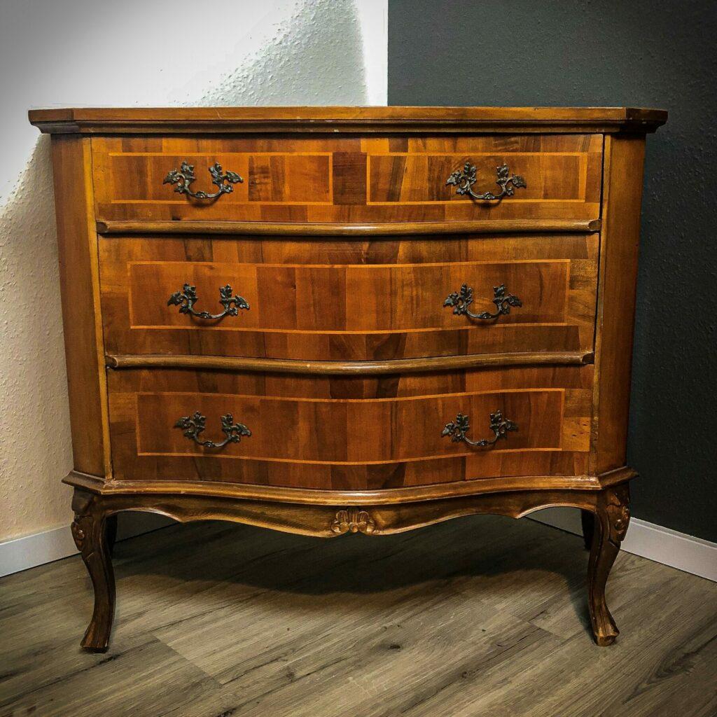 Möbelstück vorher - ohne Anstrich Kreidefarbe